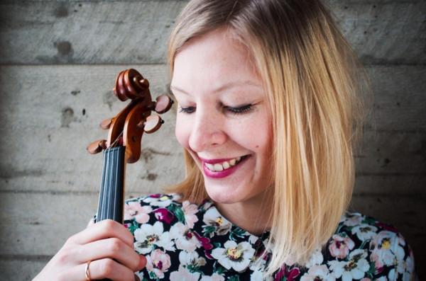 Karin Wallmyr Creutzer ger lunchkonsert i Vårfrukyrkan