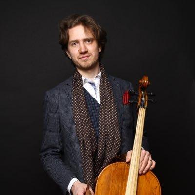 Michal Pajewski ger lunchkonsert i Vårfrukyrkan